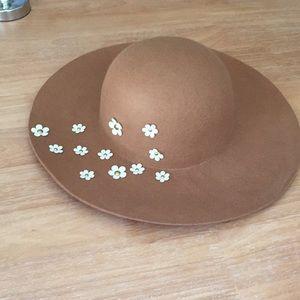 Betsey Johnson Wool Daisy Hat!